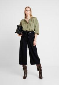 Esprit Collection - CULOTTE - Kalhoty - black - 2