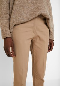Esprit Collection - NEW ORLEANS - Broek - camel - 4