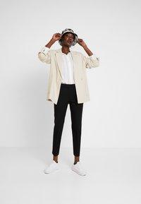 Esprit Collection - NEW ORLEANS - Pantaloni - black - 1