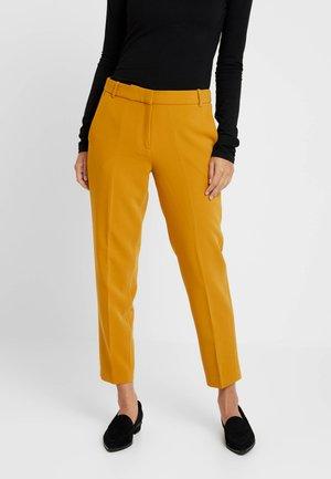 NEWPORT - Broek - amber yellow