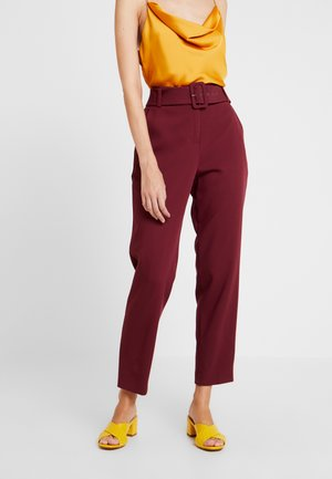 BELTED CHECK - Trousers - garnet red