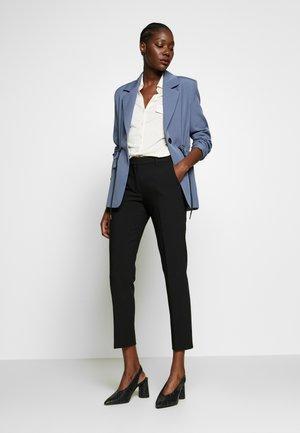 PERFEKT - Spodnie materiałowe - black