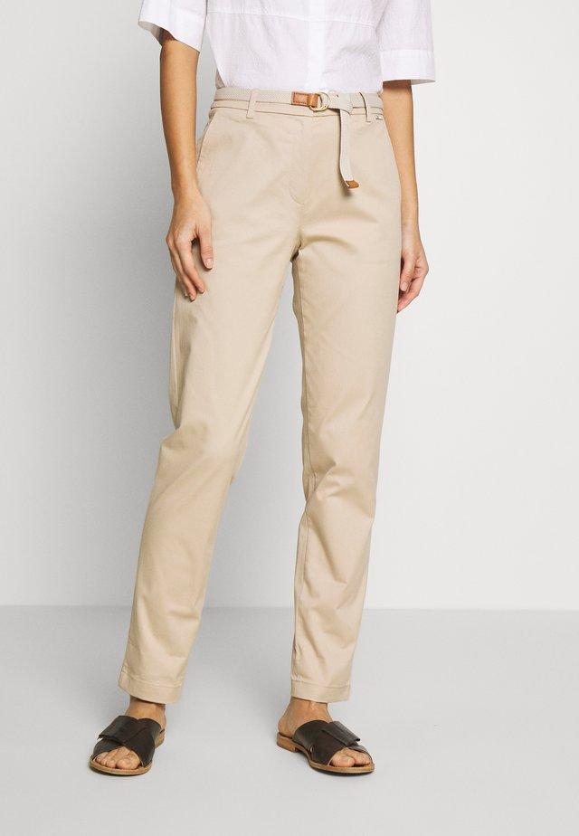 MLA-030EO1B308   - Pantalones - beige