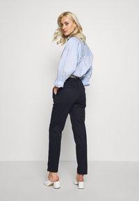 Esprit Collection - MLA-030EO1B308   - Spodnie materiałowe - navy - 2