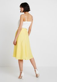 Esprit Collection - SOLID - A-Linien-Rock - bright yellow - 2