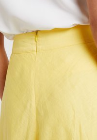 Esprit Collection - SOLID - A-Linien-Rock - bright yellow - 5