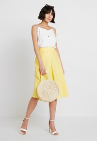 Esprit Collection - SOLID - A-Linien-Rock - bright yellow - 1