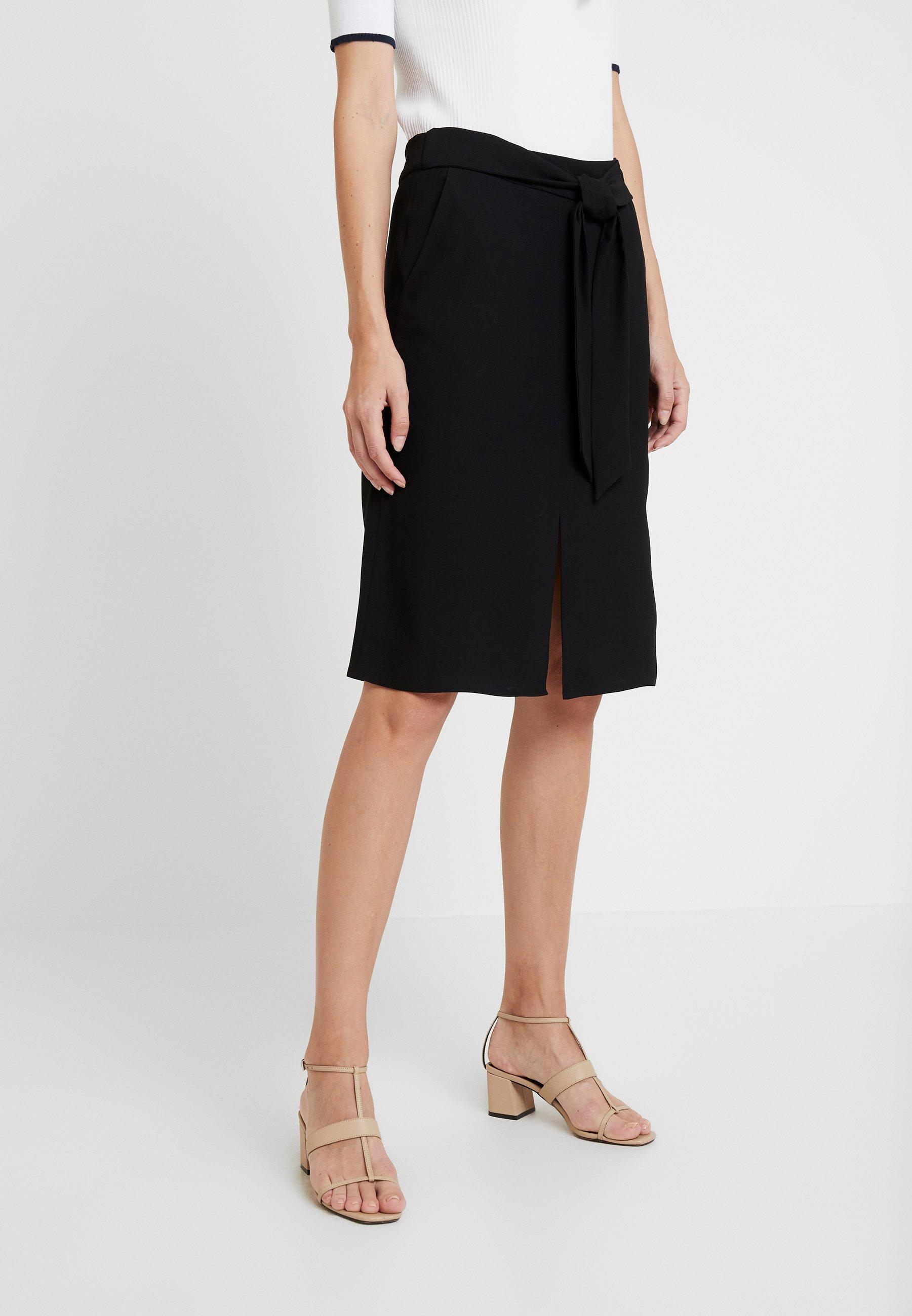 Esprit Collection MATT SHINY - Gonna a campana black