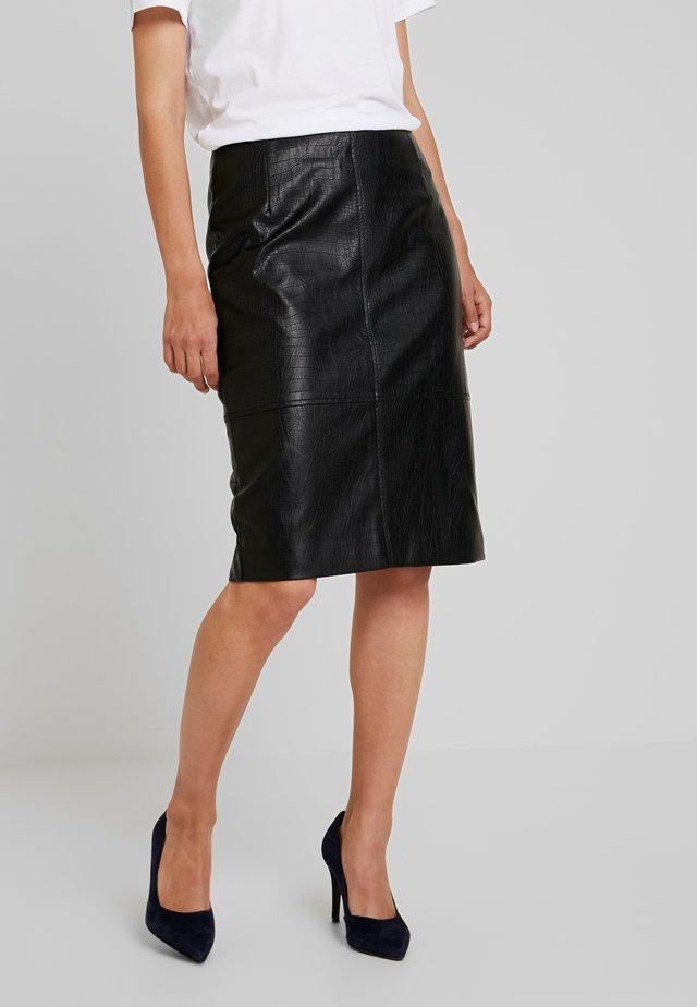 FAKE CORCODILE - Falda de tubo - black