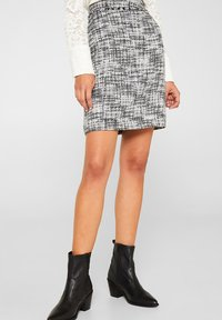 Esprit Collection - SKIRT - Jupe trapèze - black - 0