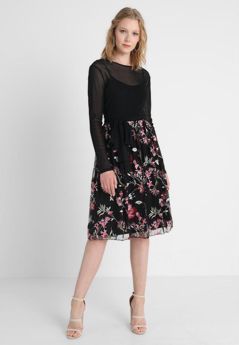 Esprit Collection - DELICATE FLORAL - Freizeitkleid - black