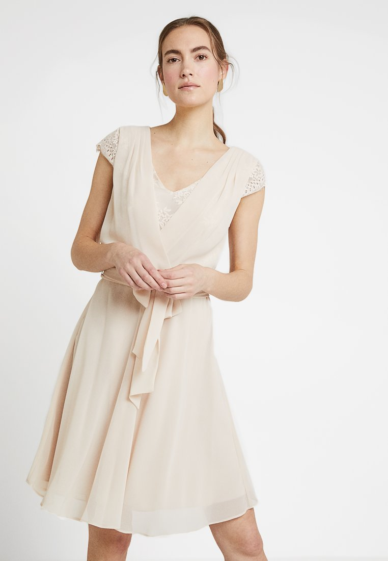 Esprit Collection - NEW FLUID - Cocktailkleid/festliches Kleid - beige