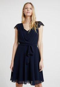 Esprit Collection - NEW FLUID - Koktejlové šaty/ šaty na párty - navy - 0