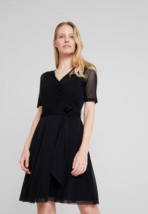 LOCAL - Korte jurk - black