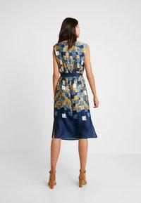 Esprit Collection - Fodralklänning - amber yellow - 2