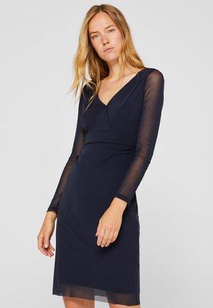 IM WICKEL-LOOK - Shift dress - navy