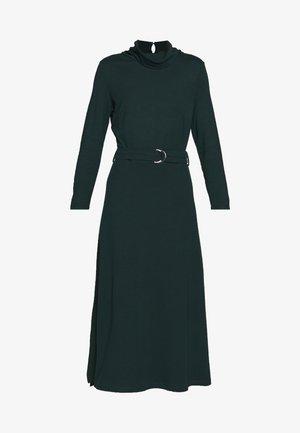 ROLL NECK DRESS - Žerzejové šaty - dark teal green