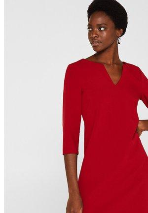 MIT V-AUSSCHNITT - Day dress - dark red
