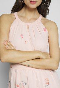 Esprit Collection - FLUENT GEORGE - Maxi-jurk - pastel pink - 5