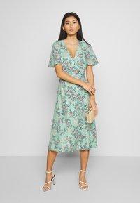 Esprit Collection - FLUENT  - Vestido informal - pastel green - 1