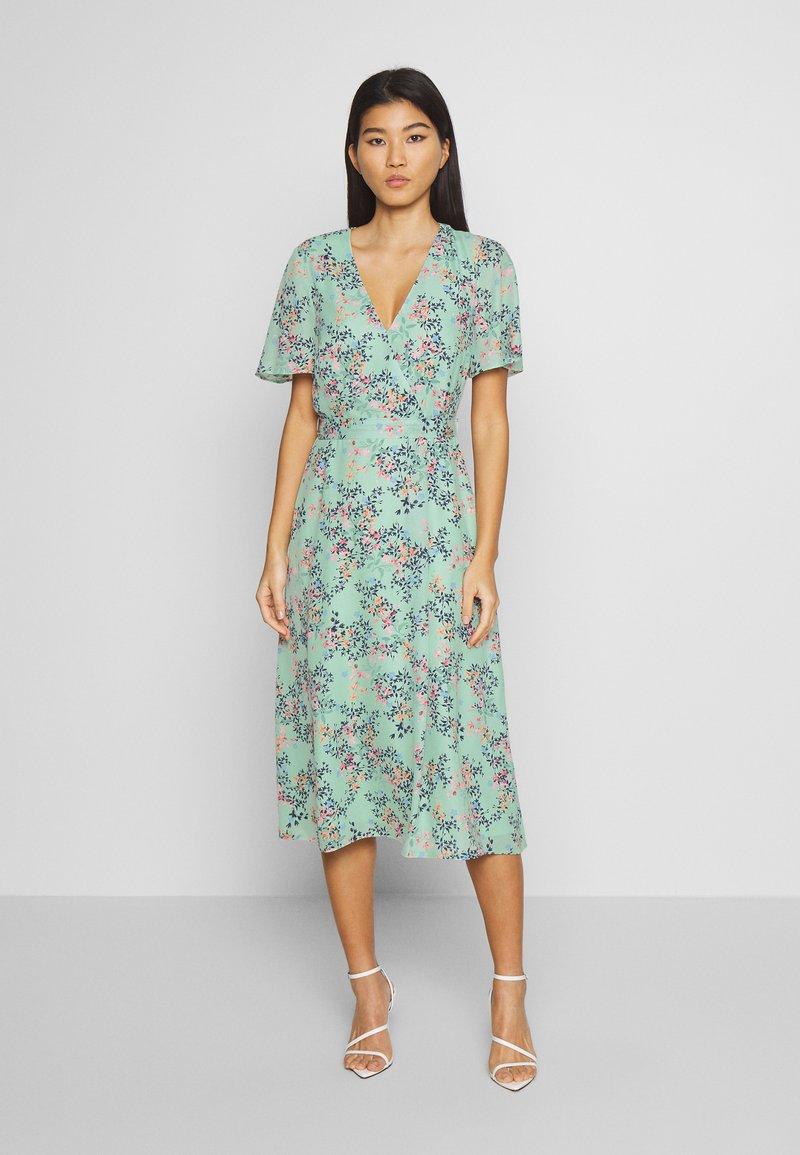 Esprit Collection - FLUENT  - Vestido informal - pastel green