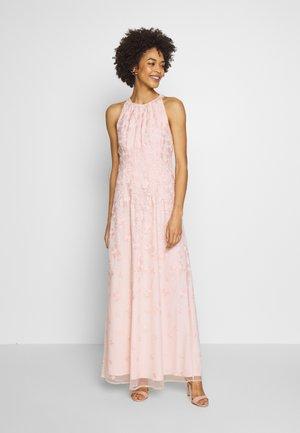 Festklänning - pastel pink