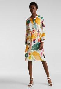 Esprit Collection - FLUENT GEORGE - Korte jurk - off white - 1
