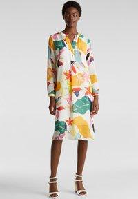 Esprit Collection - FLUENT GEORGE - Korte jurk - off white - 0
