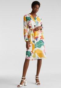 Esprit Collection - FLUENT GEORGE - Korte jurk - off white - 3