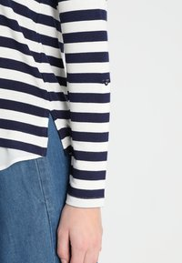 Esprit Collection - STRIPED - Neule - navy - 4