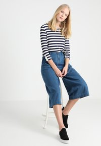 Esprit Collection - STRIPED - Neule - navy - 1