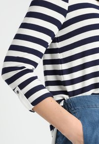 Esprit Collection - STRIPED - Neule - navy - 6