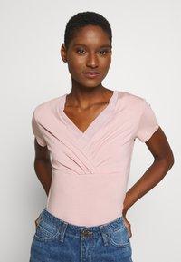 Esprit Collection - OVERLAP - T-shirts med print - old pink - 0