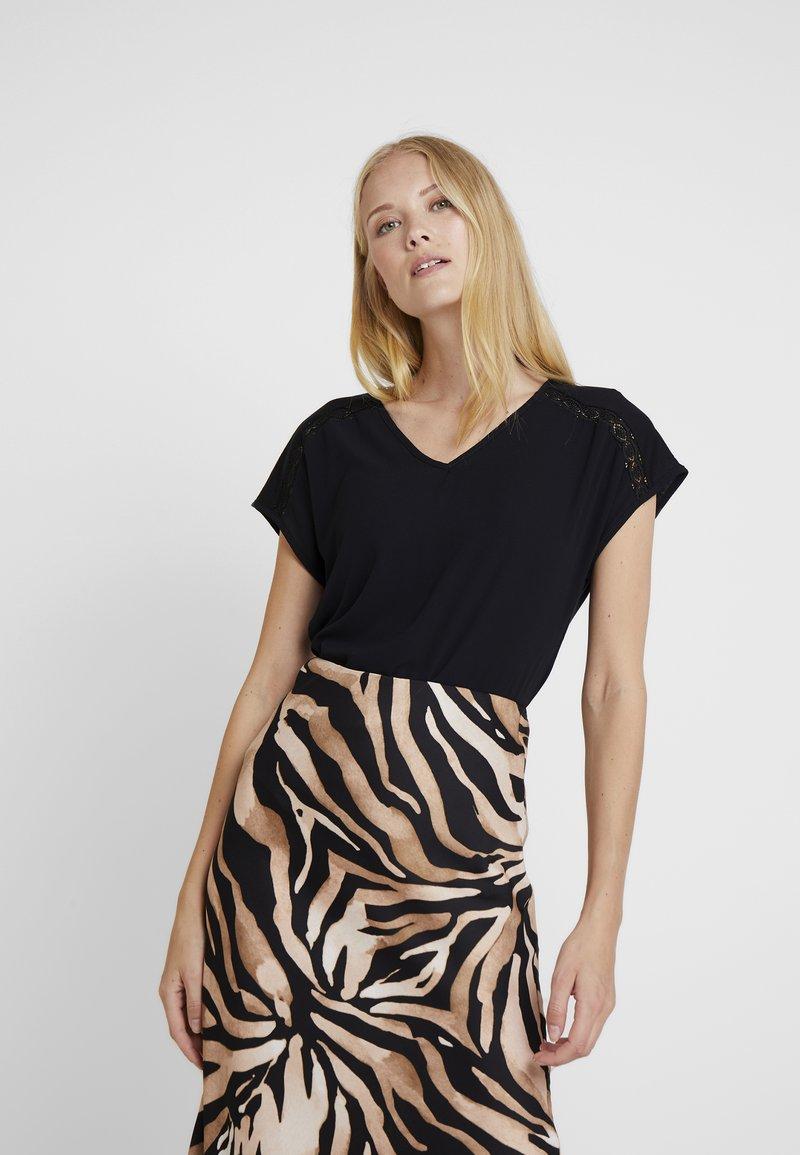 Esprit Collection - YOKE TEE - Blouse - black
