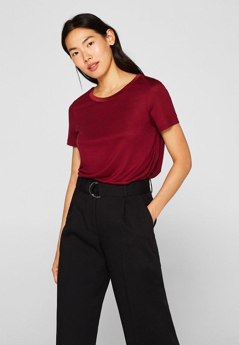 Esprit Collection - MIT STRUKTUR-BLENDE - T-Shirt basic - garnet red