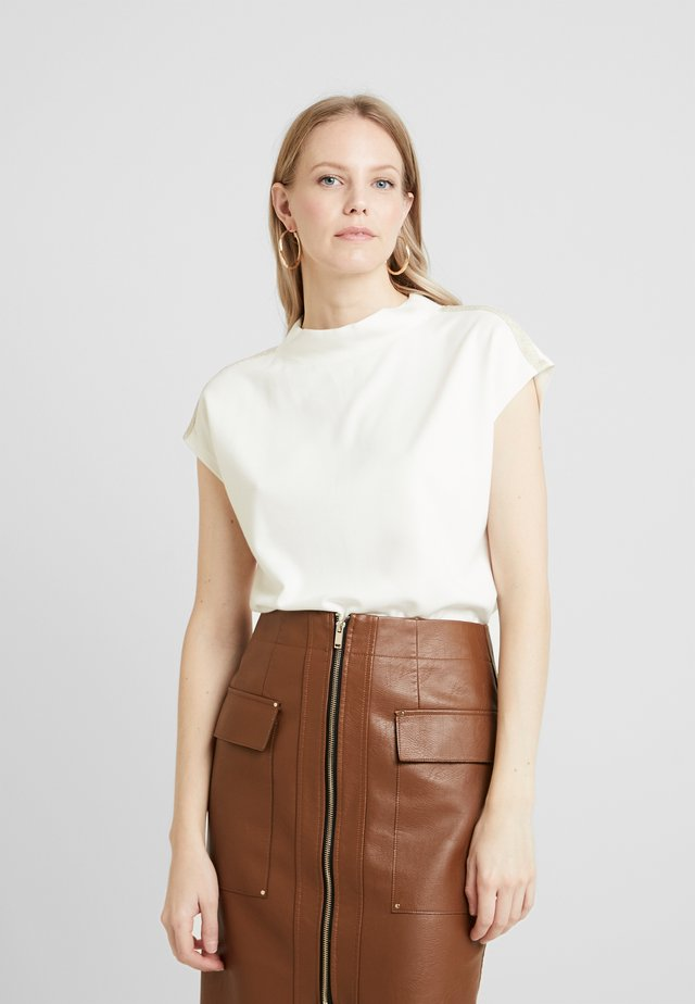 DROP SHOULDER - Print T-shirt - off white