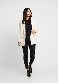 Esprit Collection - SCALLOP - Langarmshirt - black - 1