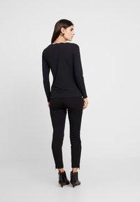 Esprit Collection - SCALLOP - Langarmshirt - black - 2