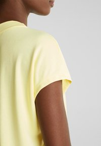 Esprit Collection - FLOW - T-Shirt basic - lime yellow - 5