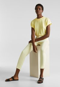 Esprit Collection - FLOW - T-Shirt basic - lime yellow - 3