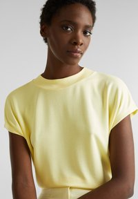 Esprit Collection - FLOW - T-Shirt basic - lime yellow - 4