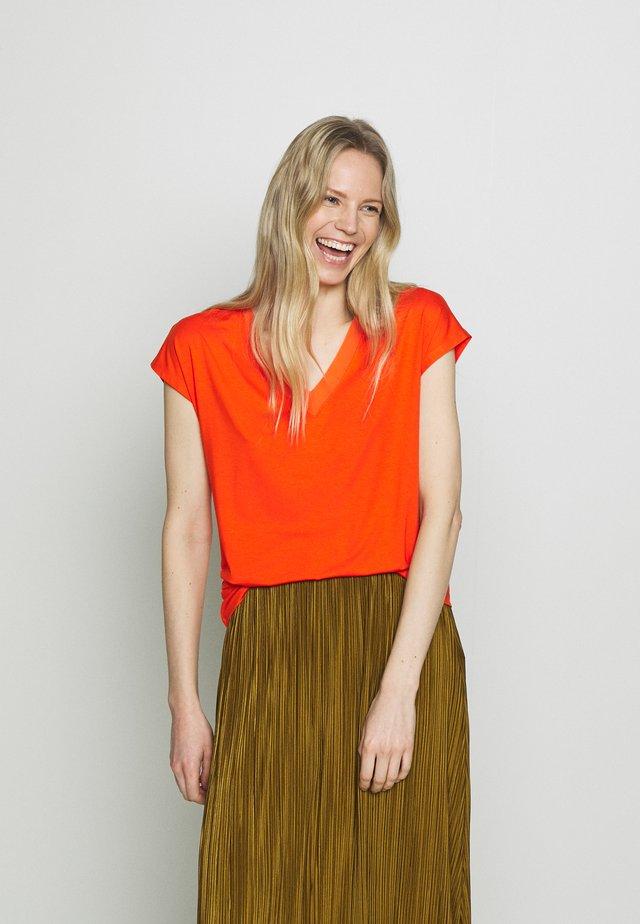 Camiseta básica - red orange