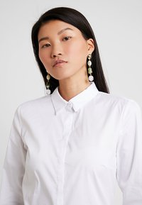 Esprit Collection - SOFT BUSINESS - Button-down blouse - white - 4