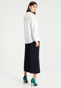 Esprit Collection - NEW ESSENTIAL - Skjortebluser - off white - 2