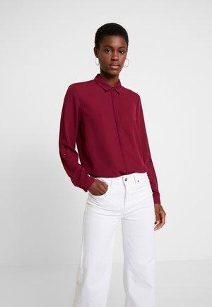 NEW ESSENTIAL - Košile - garnet red