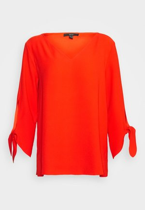 MATT SHINY - Blus - red orange
