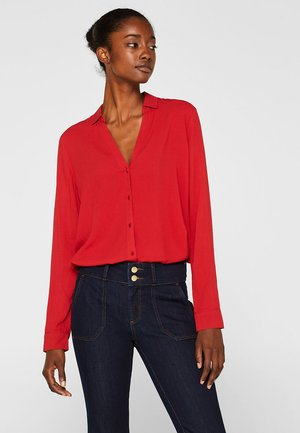MIT STRUKTUR - Button-down blouse - cherry red
