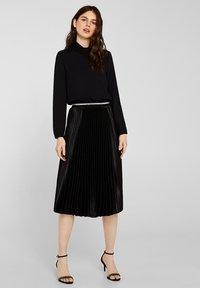 Esprit Collection - MIT ROLLKRAGEN - Blouse - black - 0