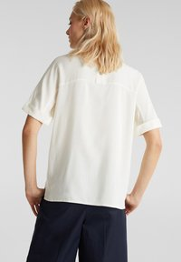 Esprit Collection - NEW FLOATY - Blouse - off white - 2
