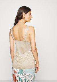 Esprit Collection - FLOW VNECK - Top - khaki beige - 2